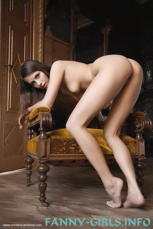 Агнесса: мастурбация члена ногами